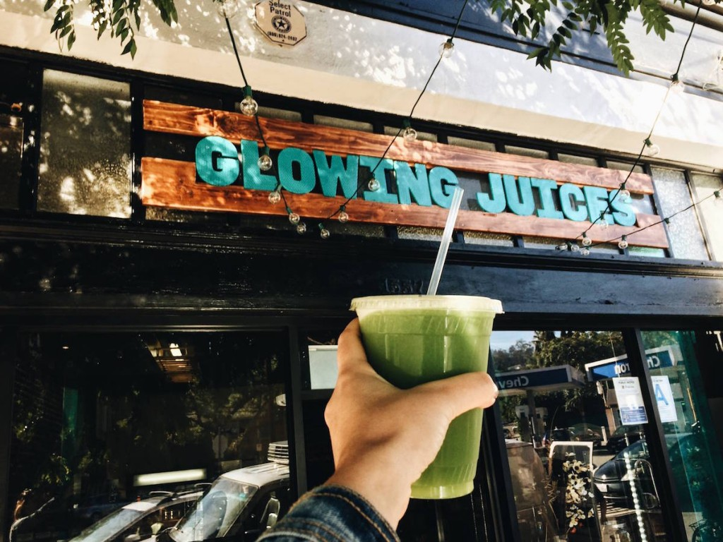 A collection of the best places to buy smoothies in Los Angeles!