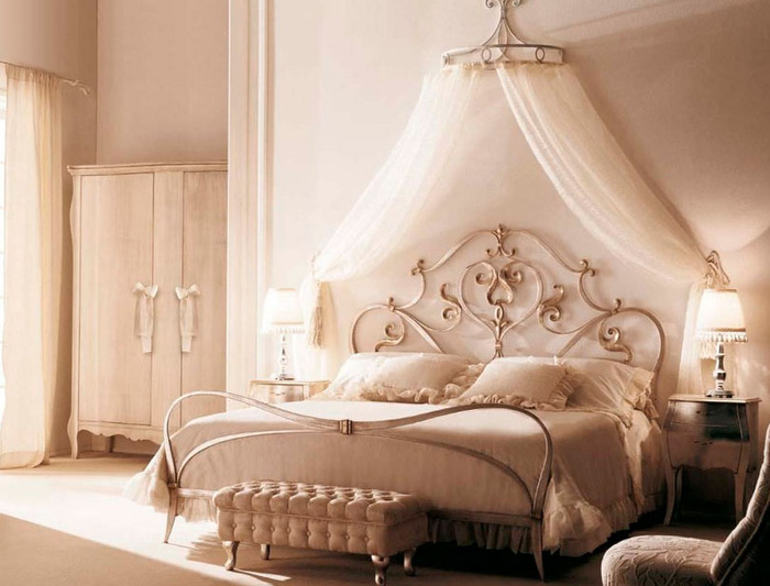 Dreamy Canopy Beds - see how to use canopy beds in your home for the ultimate in luxury!